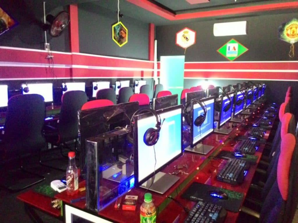 Vệ sinh máy tính phòng net quận 5