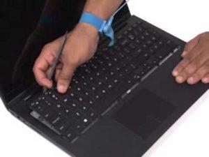 Thay bàn phím laptop đường ba tháng hai