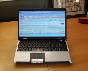 Thay màn hình laptop bị sọc