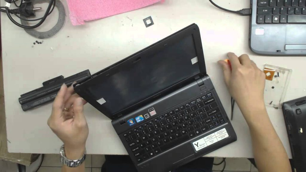 Thay màn hình laptop đường ba vì