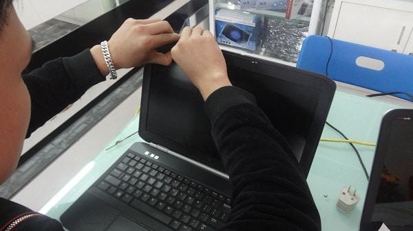 Thay màn hình laptop đường phạm ngũ lão