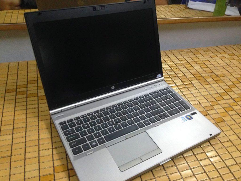Thay màn hình laptop hp 8560p