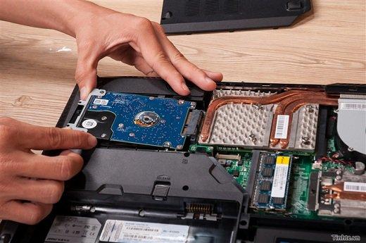 Thay ổ cứng laptop đường Trần Văn Đang