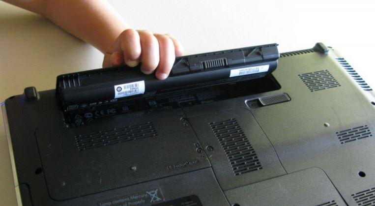 Thay pin laptop đường ba tháng hai