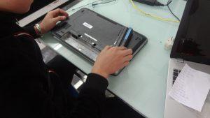 Thay pin laptop đường lý thái tổ