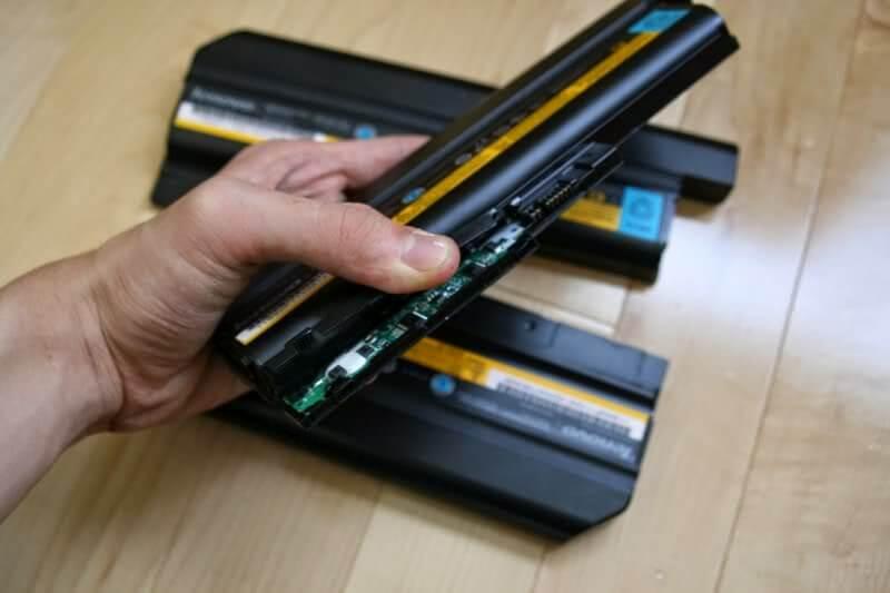 Thay pin laptop đường PHạm Văn Hai