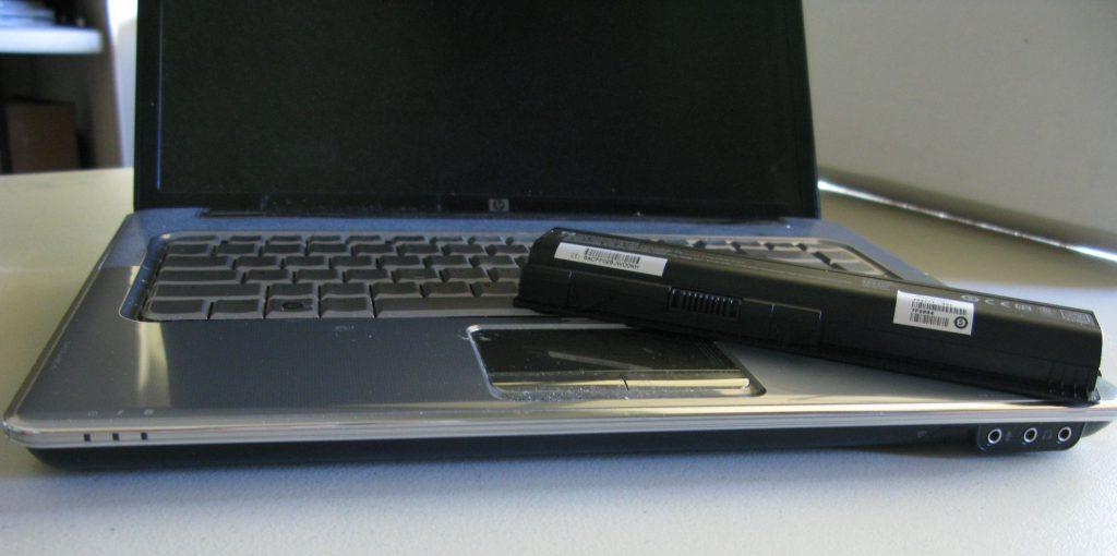 Thay pin laptop đường trần quang diệu