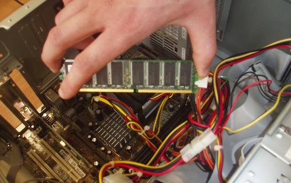 Sửa máy tính bàn tận nhà quận 7