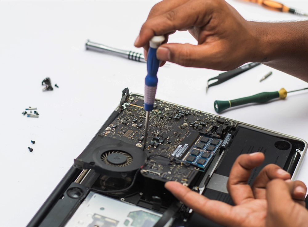 Sửa macbook đường cách mạng tháng tám