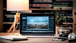Thay màn hình macbook đường lê hồng phong
