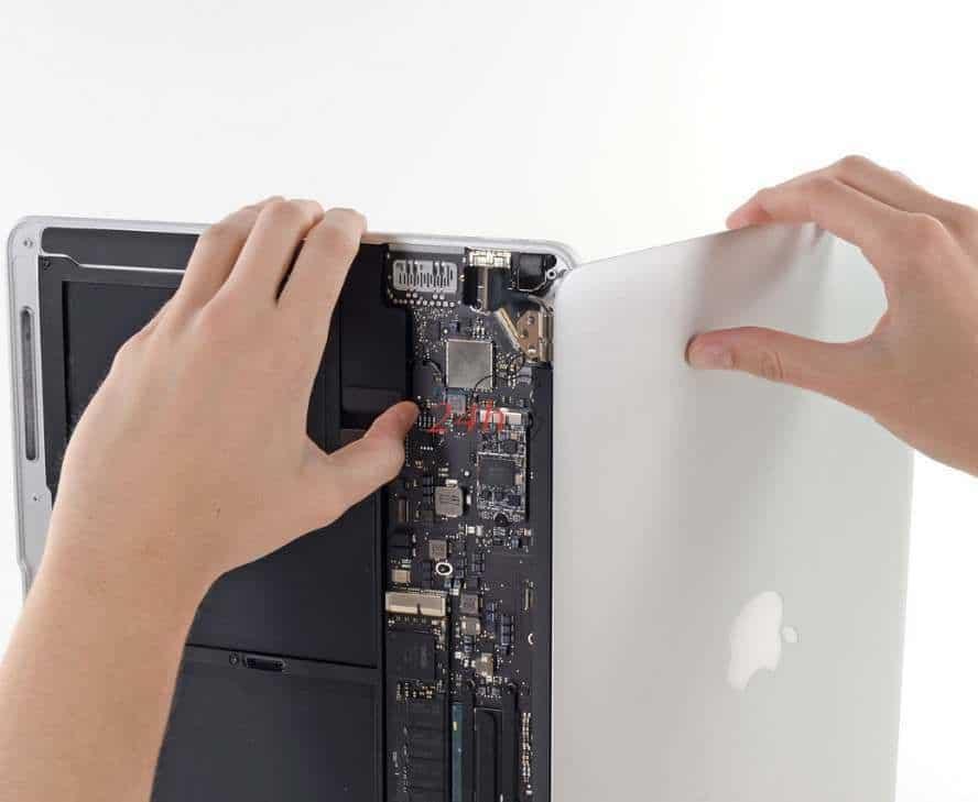Thay màn hình macbook đường lý chính thắng