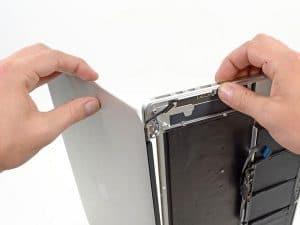 Thay màn hình macbook đường phạm văn hai