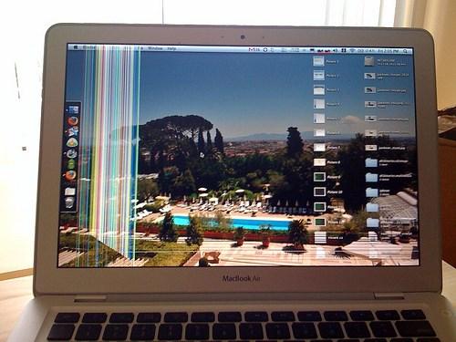 Thay màn hình Macbook đường võ thị sáu